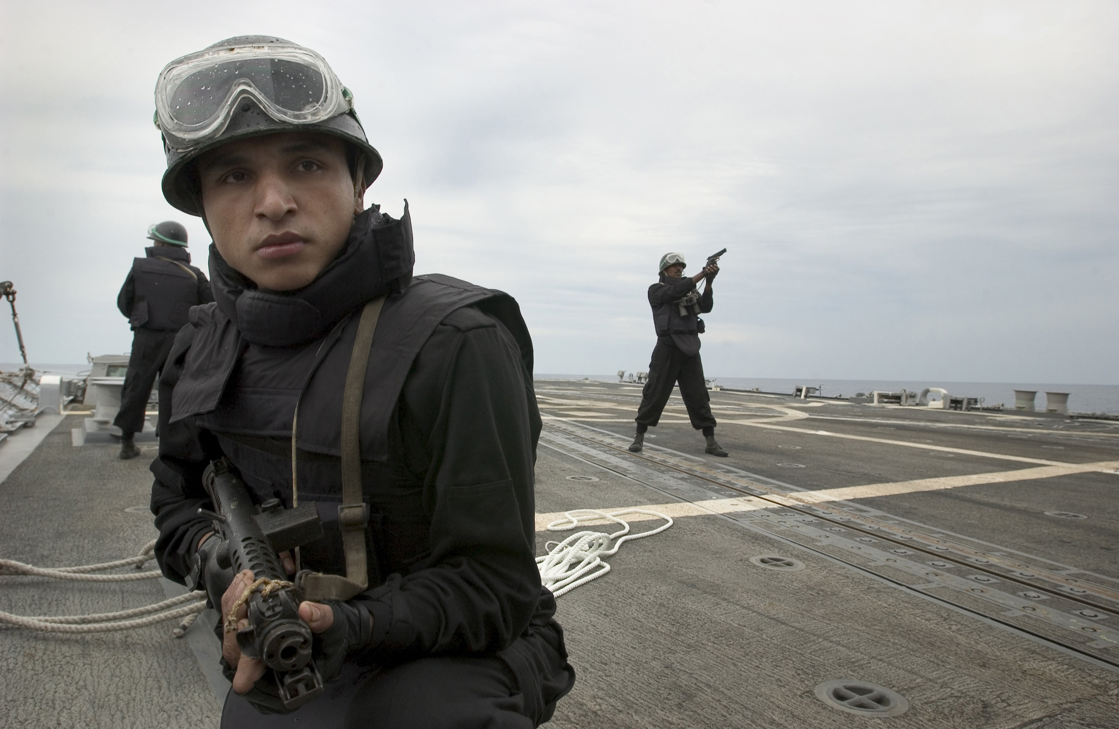 16 Impressive Things Indian Navy Marine Commandos Do In