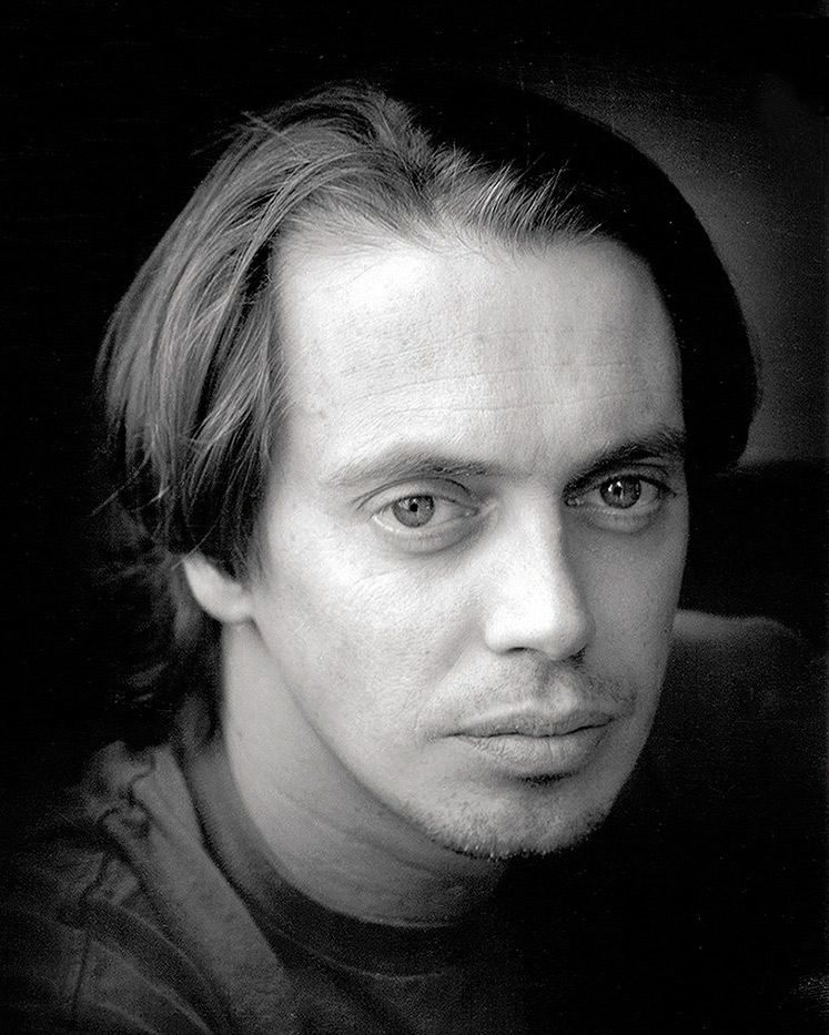 English: Photo of a young Steve Buscemi (Ameri...
