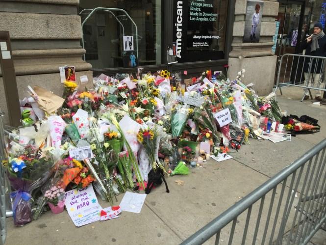 File David Bowie New York Apartment Memorial 2016 3