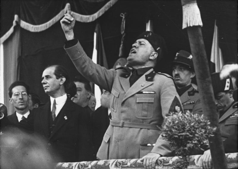 Mussolini's speech at the cathedral square in Milan.