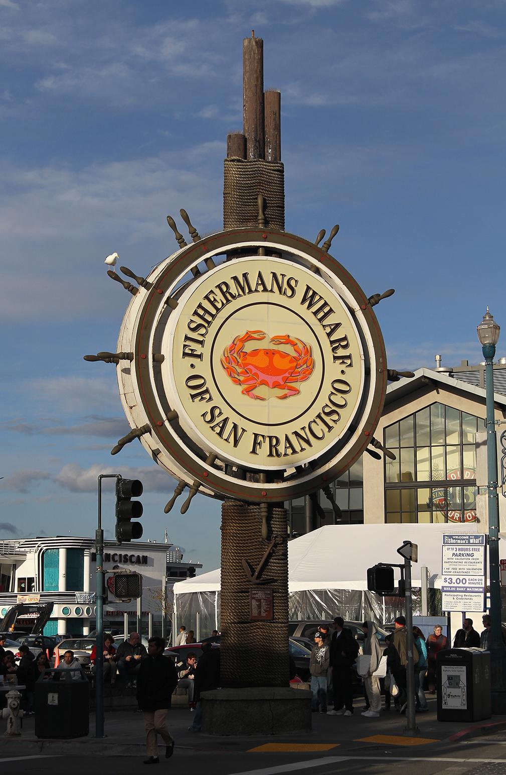 Breaking News On Fisherman's Wharf, San Francisco, Ca, Us
