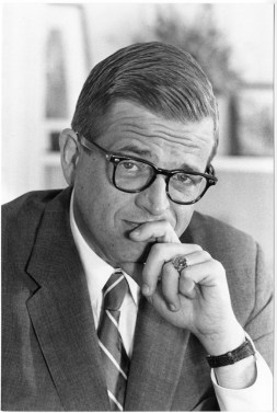 https://i0.wp.com/upload.wikimedia.org/wikipedia/commons/a/af/Chuck_Colson.jpg?resize=253%2C377&ssl=1