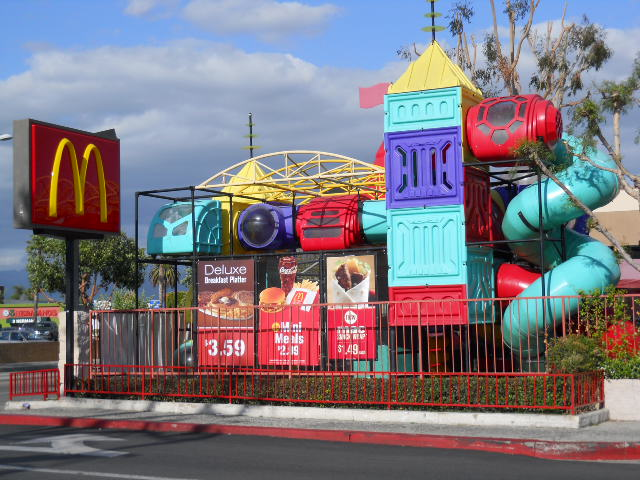 File:McDonald's with Prominent Playland.JPG