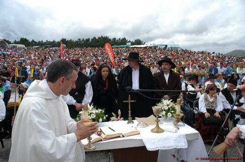 Don Pablo cleebrando la boda vaqueira en Aristébano