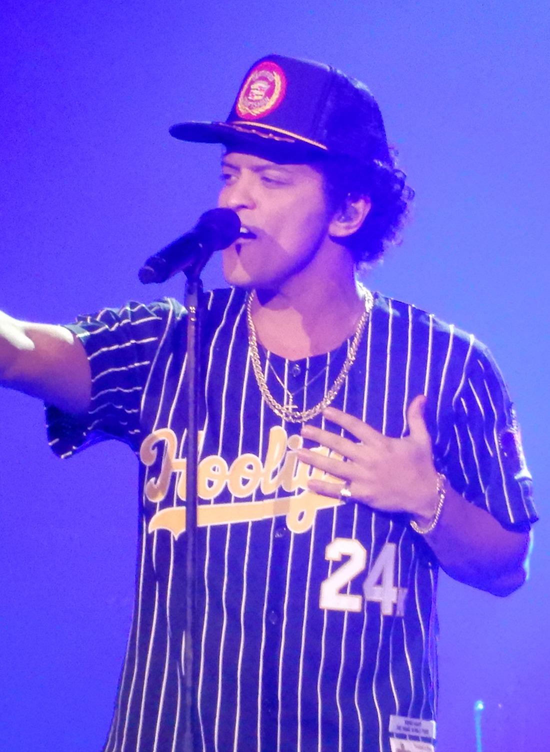 Wiz Khalifa Baby Come Give Me Something : khalifa, something, Bruno, Wikipedia