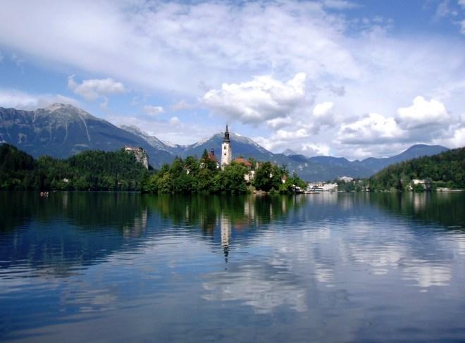 Lake-Bled-Church-Mountains-Slovenia