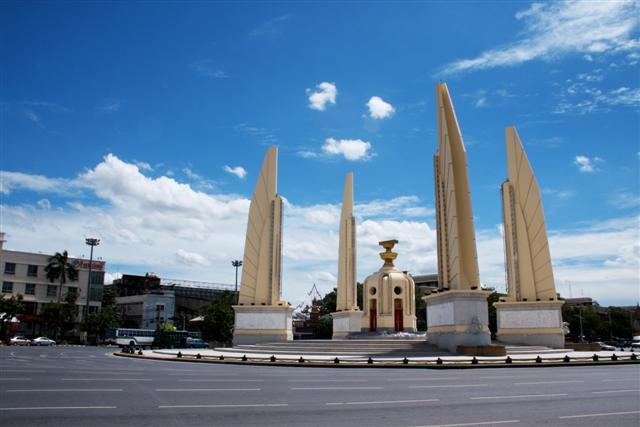 Democracy Monument  Wikipedia