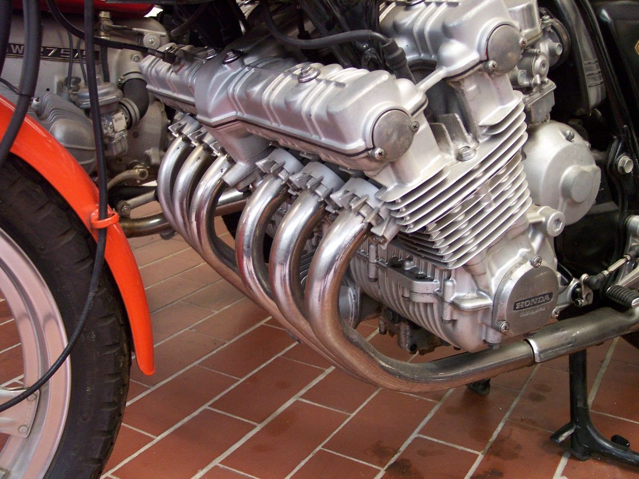 hight resolution of file honda cbx engine detail jpg