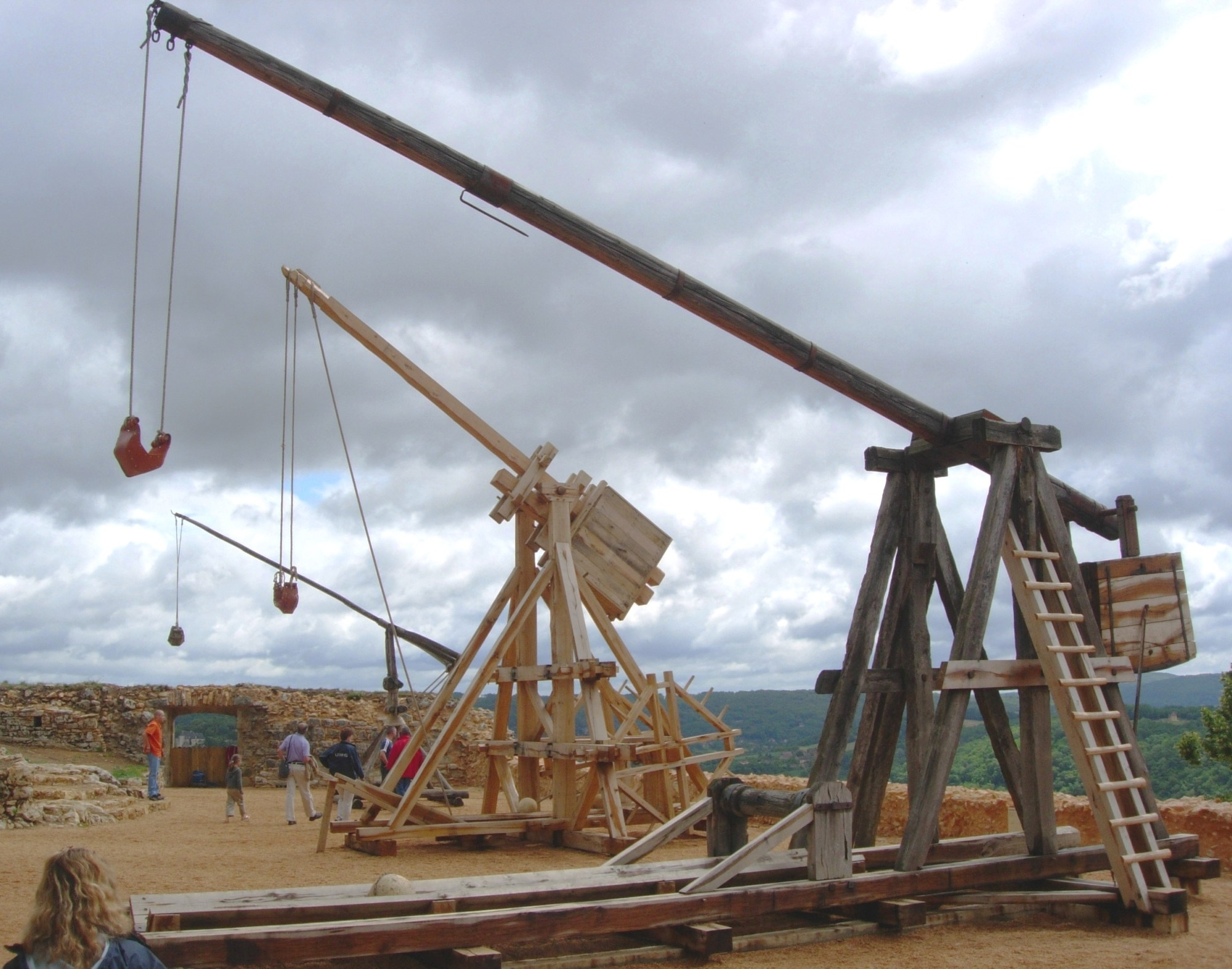 hight resolution of trebuchet wikipedia the free encyclopedia