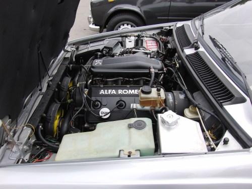 small resolution of file alfa romeo gtv6 engine bay jpg