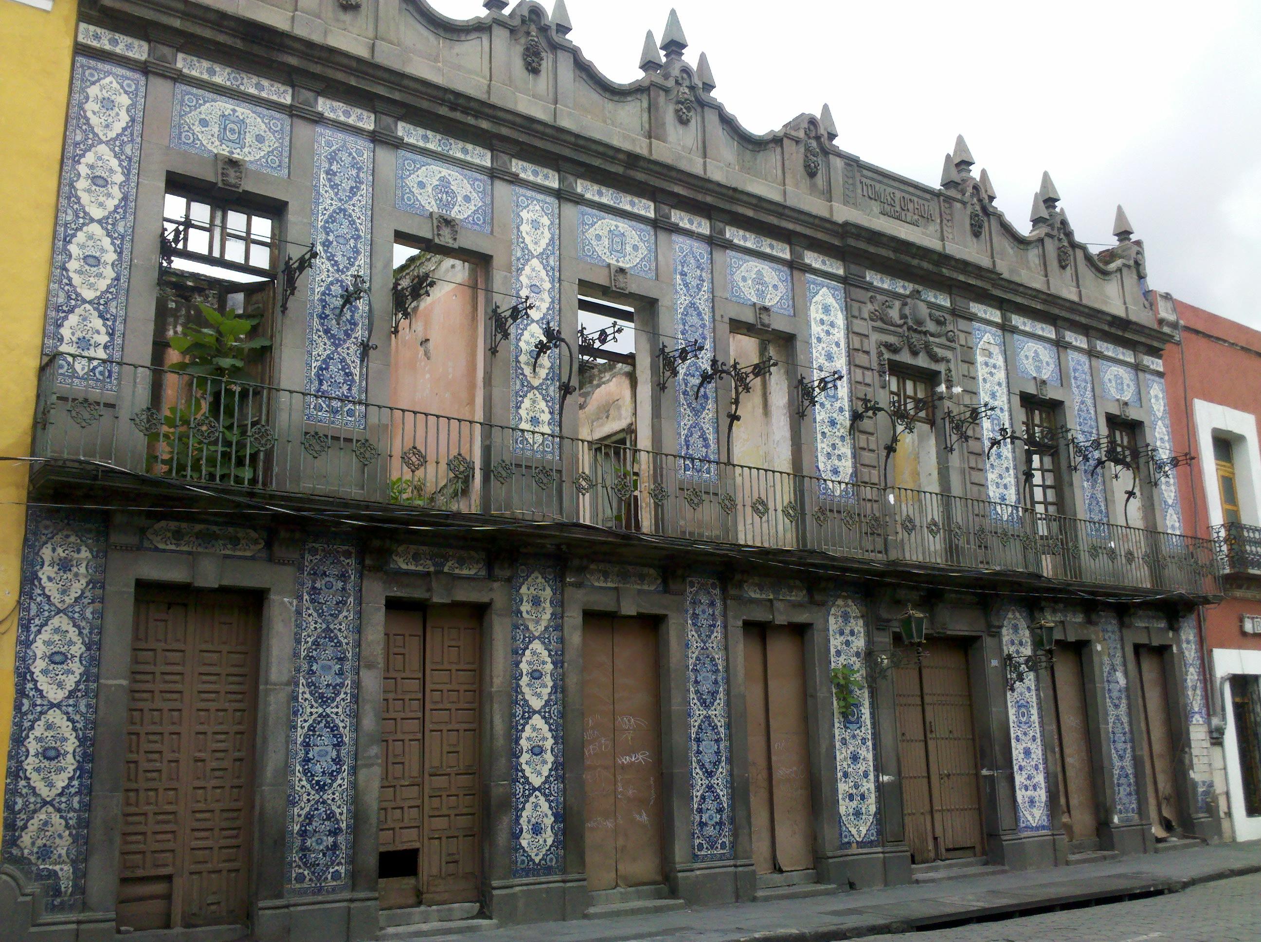 FileCasa de los Azulejos Pueblajpg  Wikimedia Commons