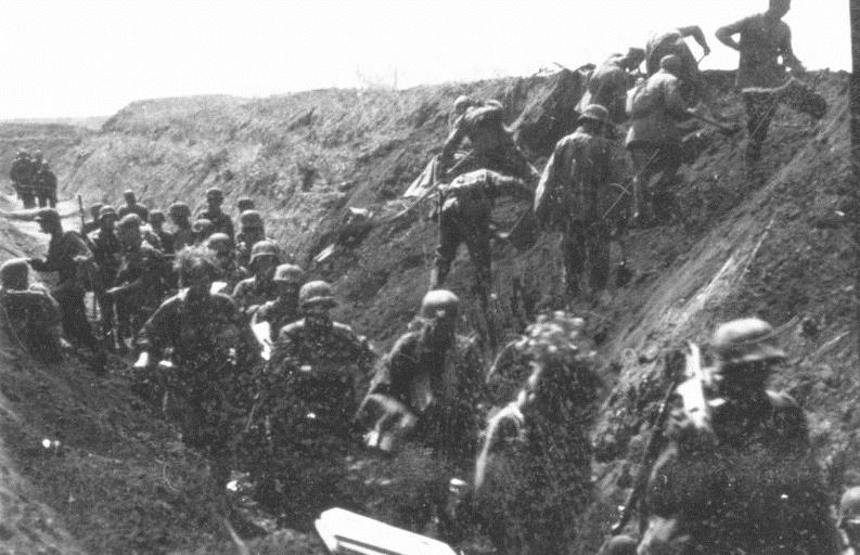 File:Bundesarchiv Bild 101III-Cantzler-077-39, Russland, Angehörige der Waffen-SS in einer Stellung.jpg