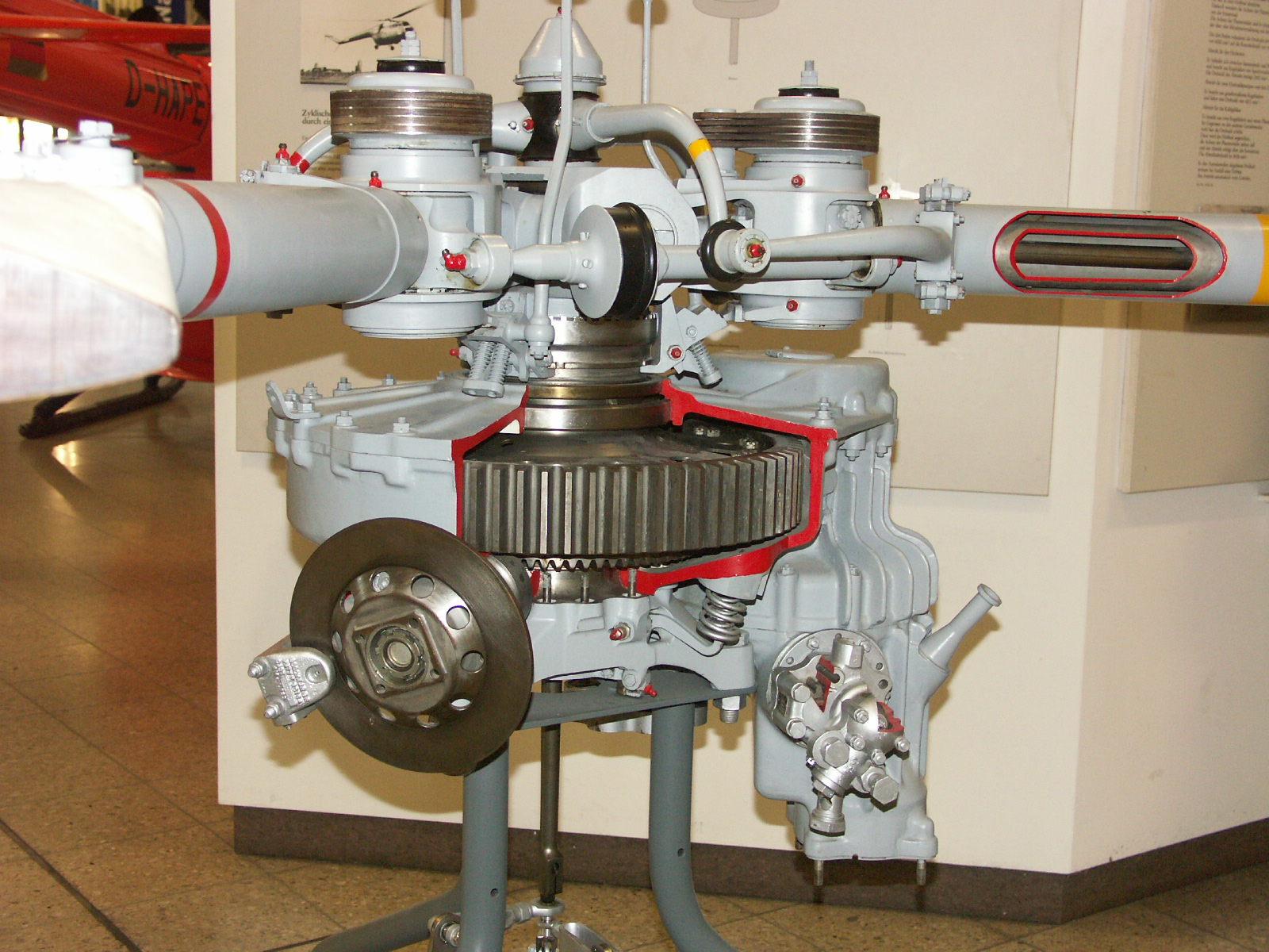 hight resolution of gearbox cutaway of a bristol sycamore helicopter at deutsches museum munich 1600x1200