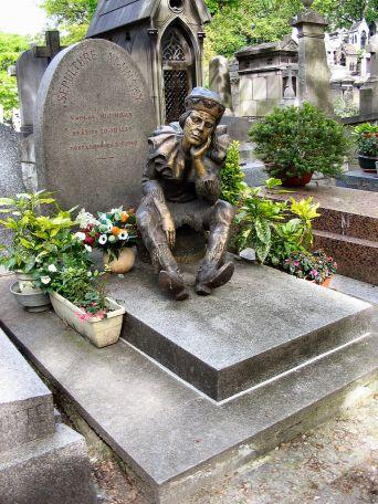 Cimitero bellissimo, peraltro. Roba che uno vorrebbe morire apposta per andarci ad abitare