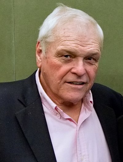Brian Dennehy via WIkiPedia. Justin Hoch photographing for Hudson Union Society. Image used under Creative Commons License.