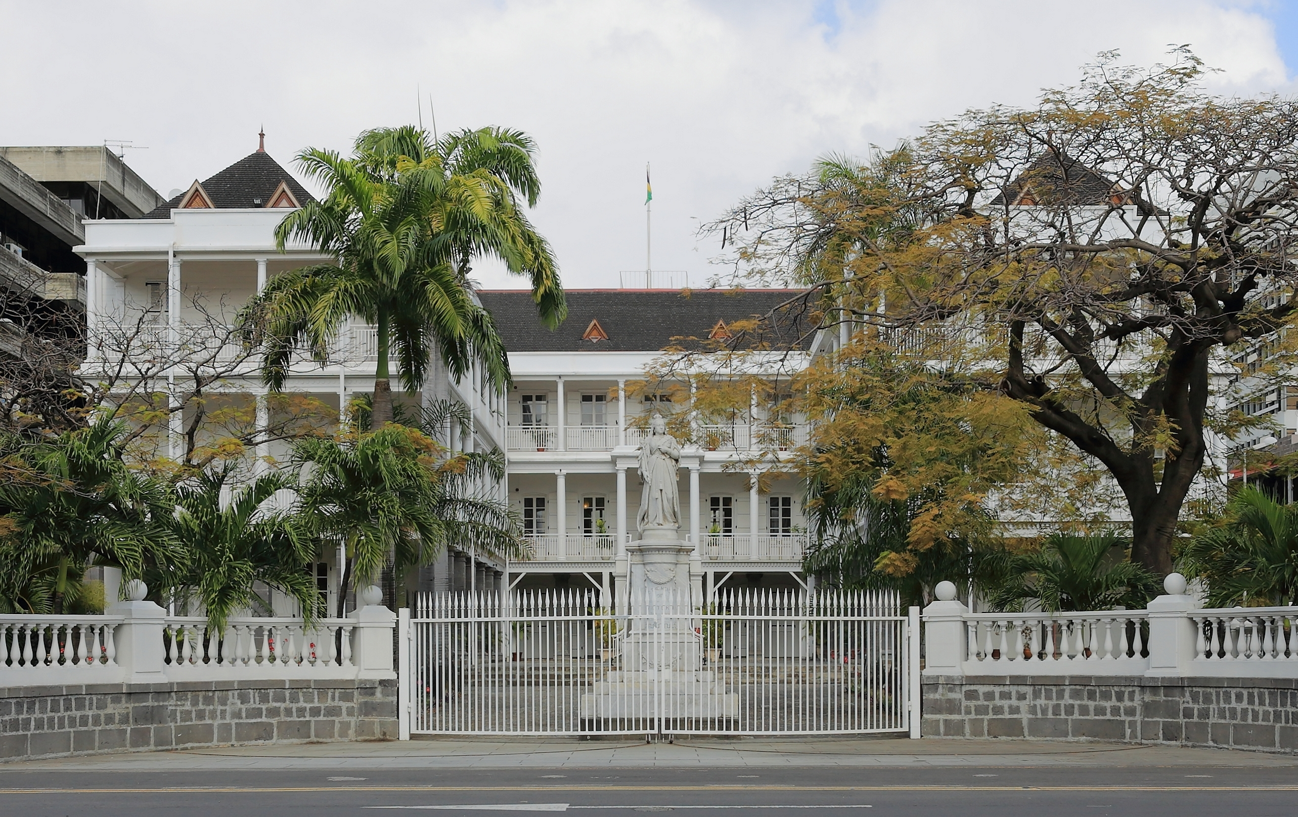 File:Government House Port Louis.JPG - Wikimedia Commons