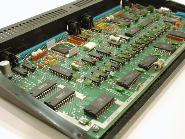 Hardware - Wikipedia