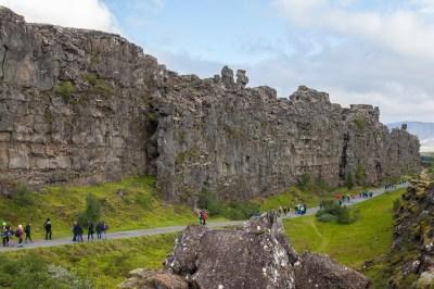 File:Roca de la Ley, Parque Nacional de Þingvellir ...