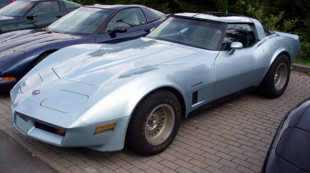 medium resolution of file corvettec3coup lightblue jpg