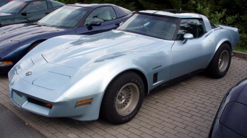 small resolution of file corvettec3coup lightblue jpg