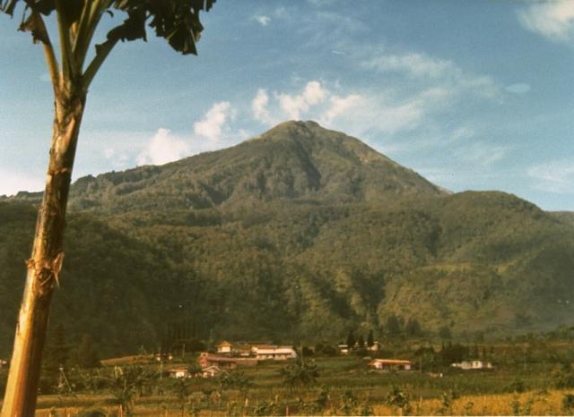 Gunung Lawu  Wikipedia bahasa Indonesia ensiklopedia bebas