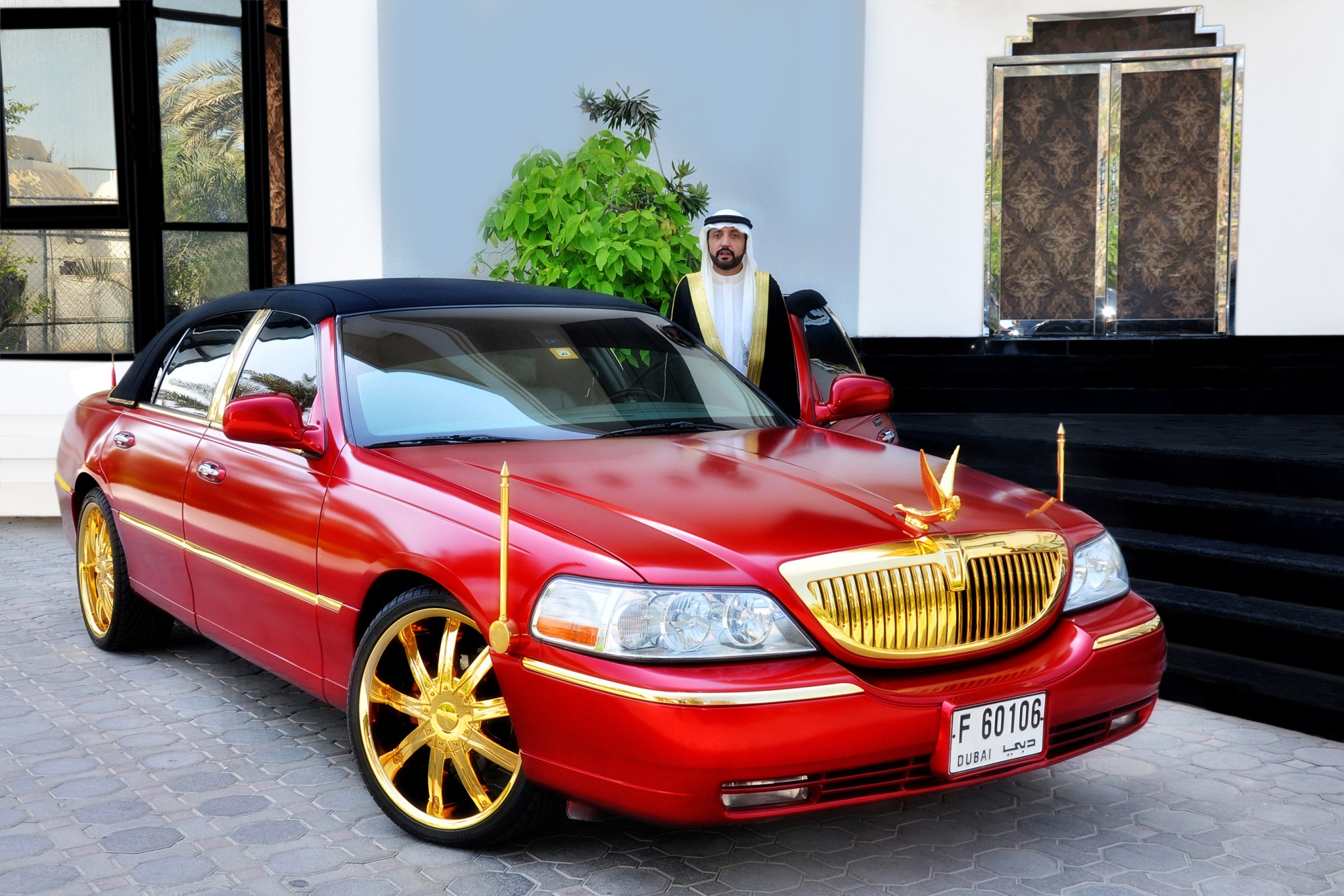 hight resolution of file lincoln town car cartier edition with 24 carat gold plated jpg rh commons wikimedia org 2003 lincoln town car cartier edition lincoln town car cartier