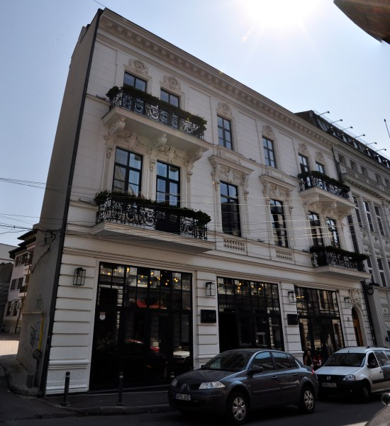 Calea Mosilor - Private tour of Bucharest | Tailor made holiday in Romania