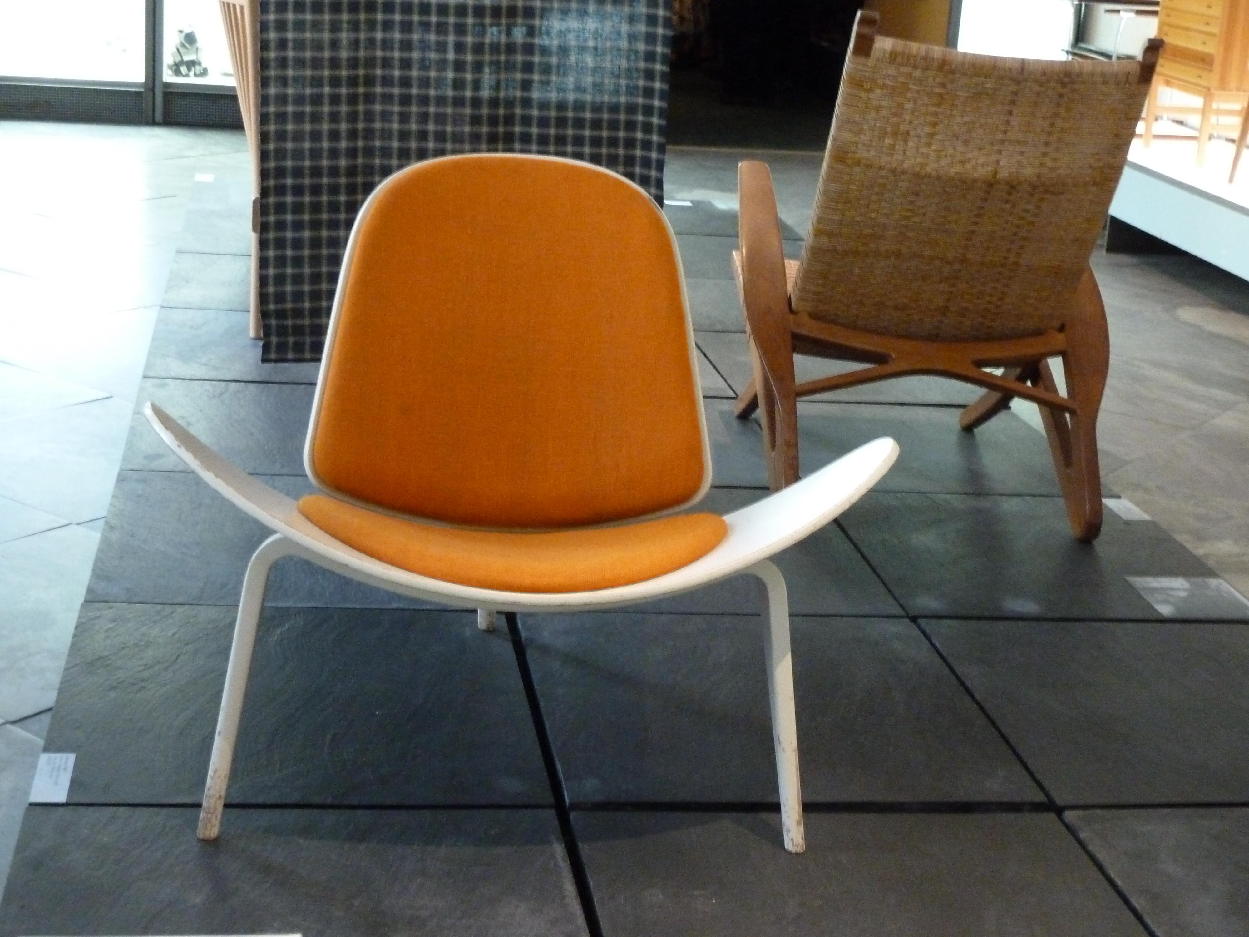 FileShell Chair Designmuseum Danmarkjpg  Wikimedia Commons