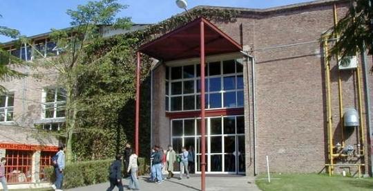 Universidad Nacional de Quilmes  Wikipedia la