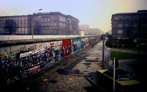 File Berlin Wall Niederkirchnerstra