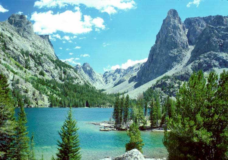 https://i0.wp.com/upload.wikimedia.org/wikipedia/commons/b/bb/Slide_Lake_Bridger_Wilderness.jpg?resize=750%2C526&ssl=1 Wilderness - Managing the Land