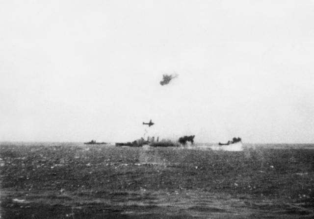 File:TG17.3 and HMAS Australia under attack Coral Sea.jpg