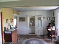 File:Dowse sod house interior SC room face E 1.JPG ...