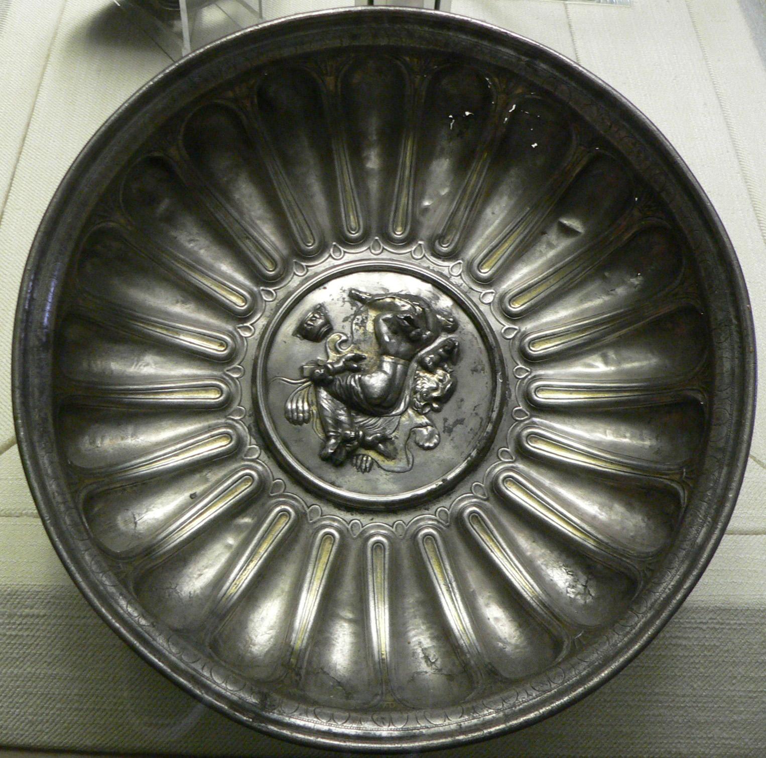 schlafende Omphale auf einer Schale von Domitius Tutus, von Wikimedia Commons User:Clio20, Lizenz: CC by SA