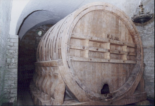 Second oldest largest Barrel from 1594 in Gröningen (per Wikimedia)
