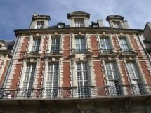 File Pavillon De La Reine Place Des Vosges Paris Haut