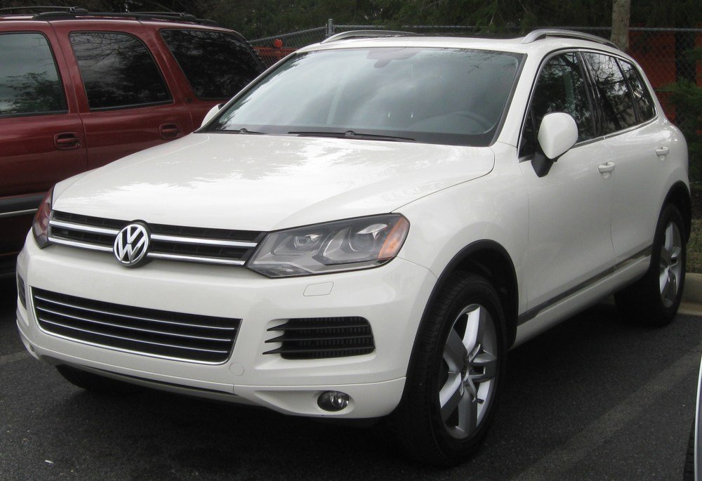 medium resolution of file 2011 volkswagen touareg 04 01 2011 jpg
