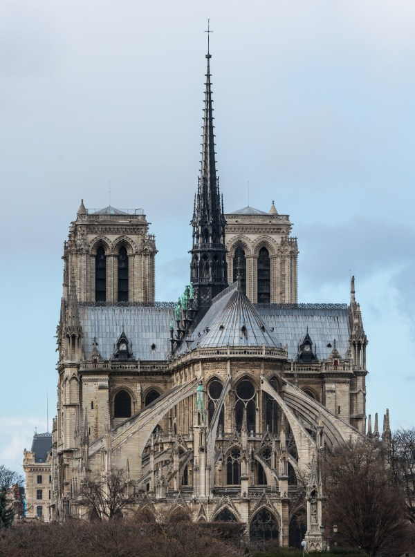 File Notre Dame De Paris East View 140207 - Wikipedia