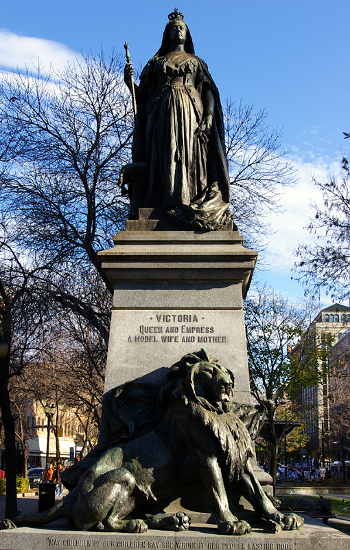 FileQueen Victoria Statue Hamilton Ontario Canadajpg