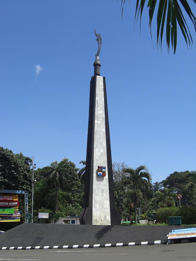 Tugu Kujang  Wikipedia bahasa Indonesia ensiklopedia bebas