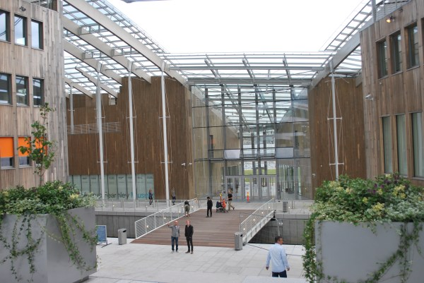 Fil Astrup Fearnley Museum Of Modern Art Entrance Wikipedia