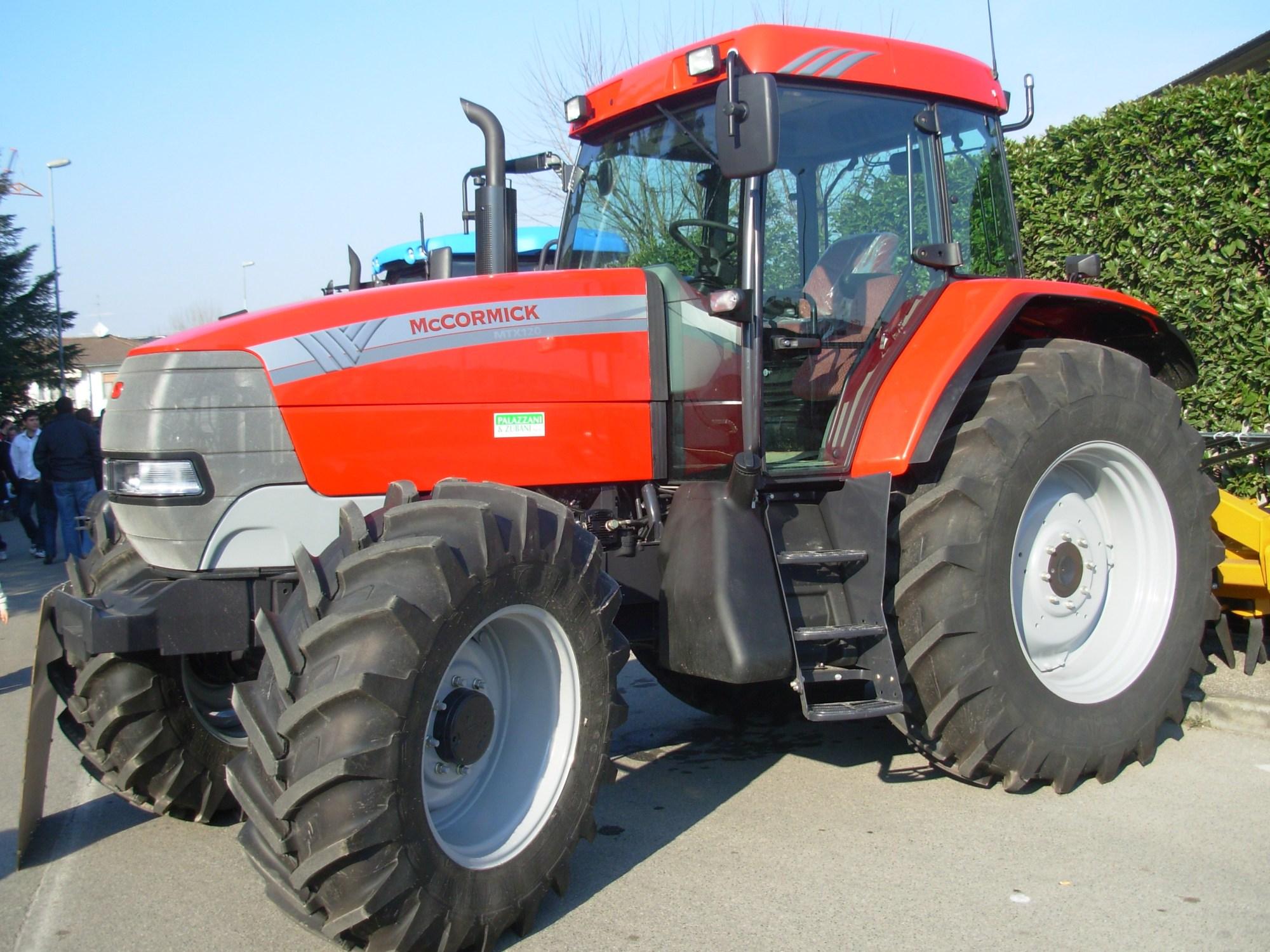 hight resolution of mccormick tractors