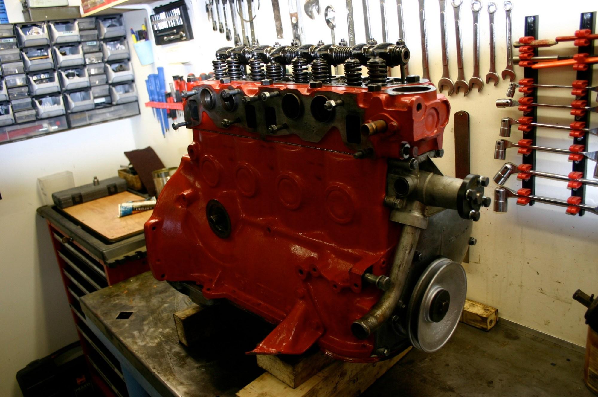 hight resolution of volvo b18 engine
