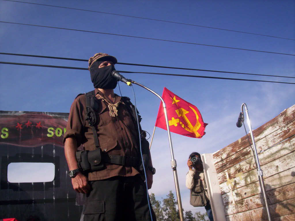 https://i0.wp.com/upload.wikimedia.org/wikipedia/commons/c/c0/Subcomandante_Marcos_en_Salamanca_050.jpg