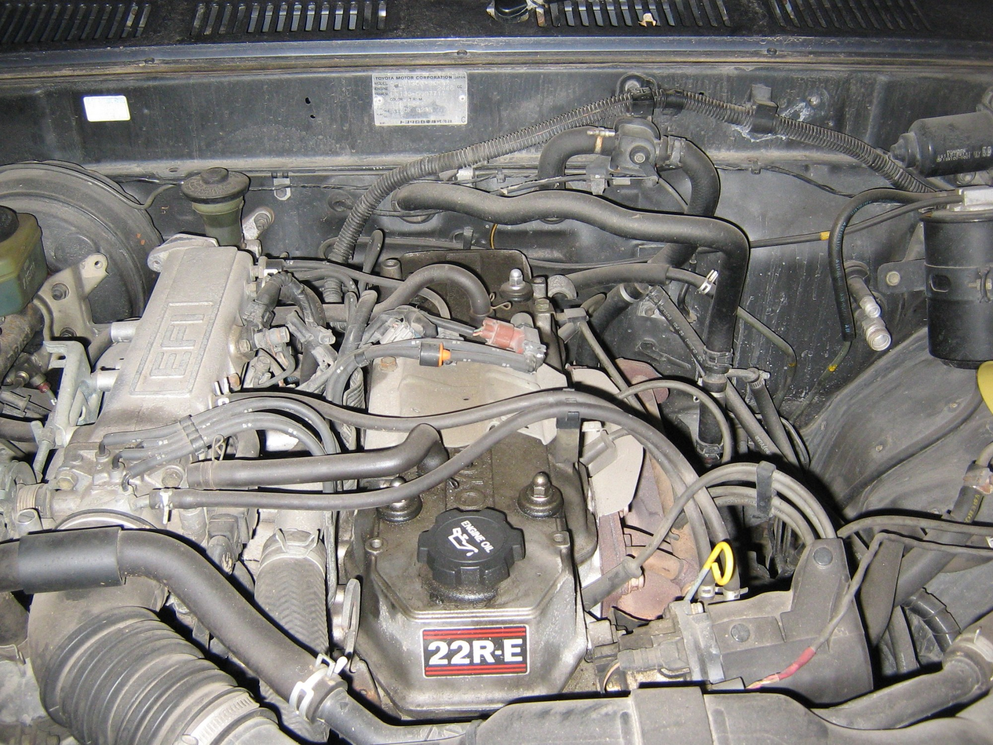 hight resolution of file 1989toyotahiluxsurf4x4 engine jpg