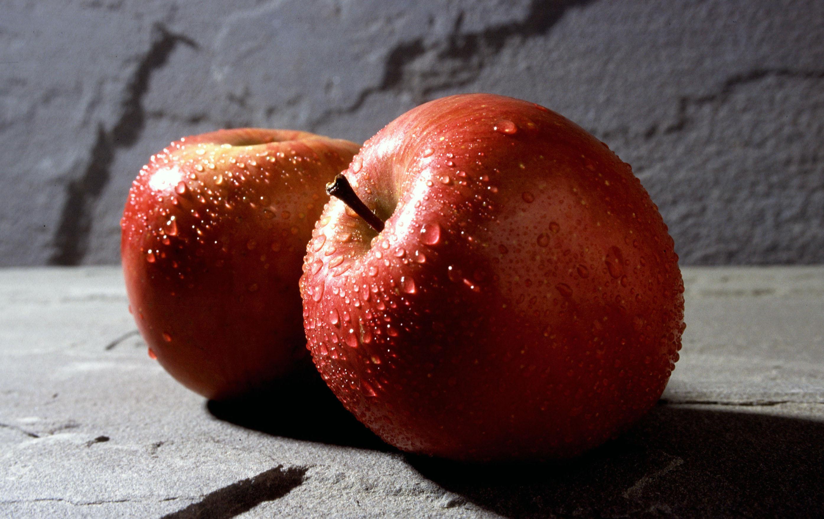 https://i0.wp.com/upload.wikimedia.org/wikipedia/commons/c/c1/Fuji_apple.jpg