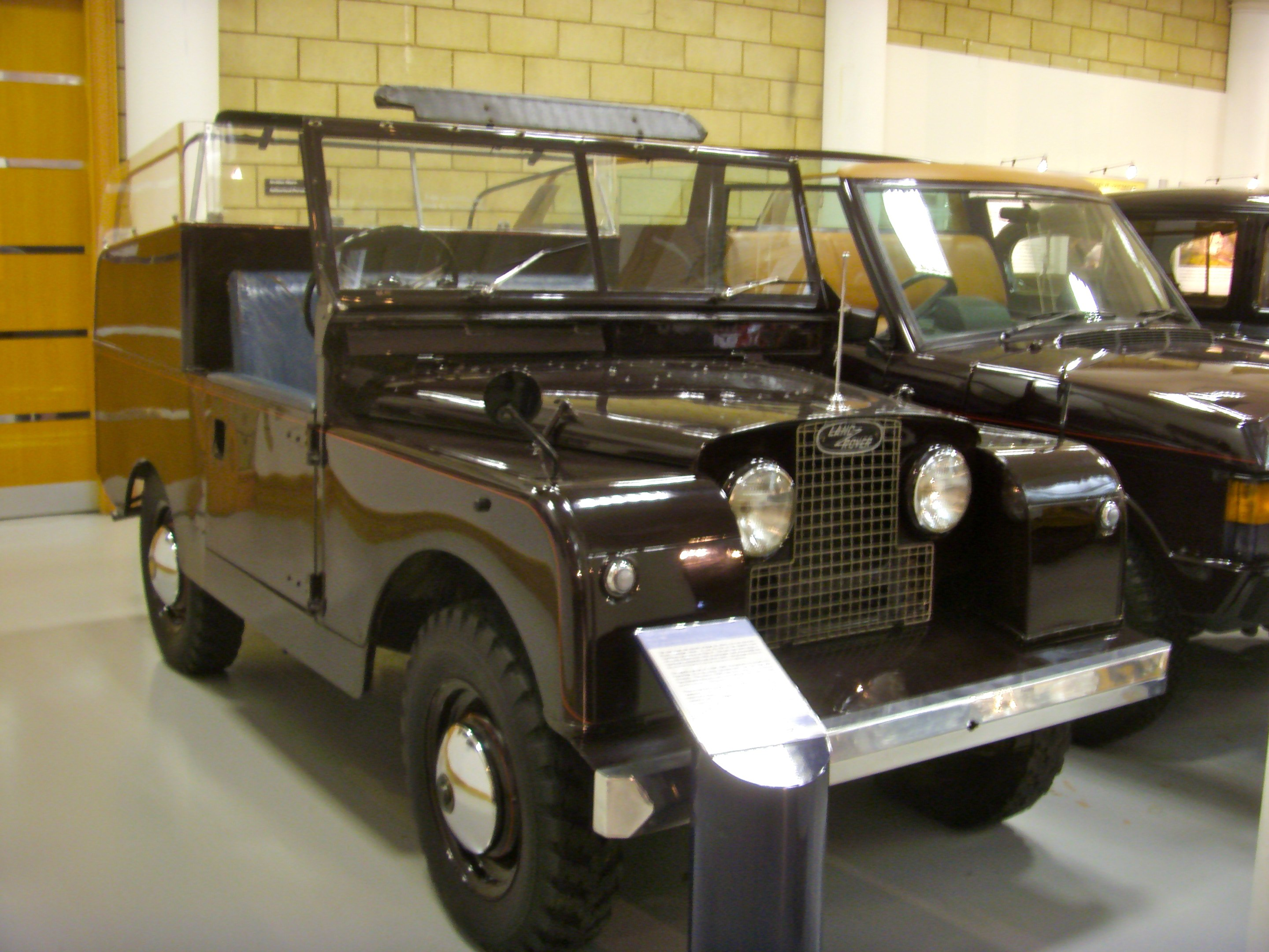 File 1958 Land Rover Series II 88 Royal Review Vehicle State II