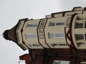 File 2018-03-31 Cliftonville Hotel Cromer 3