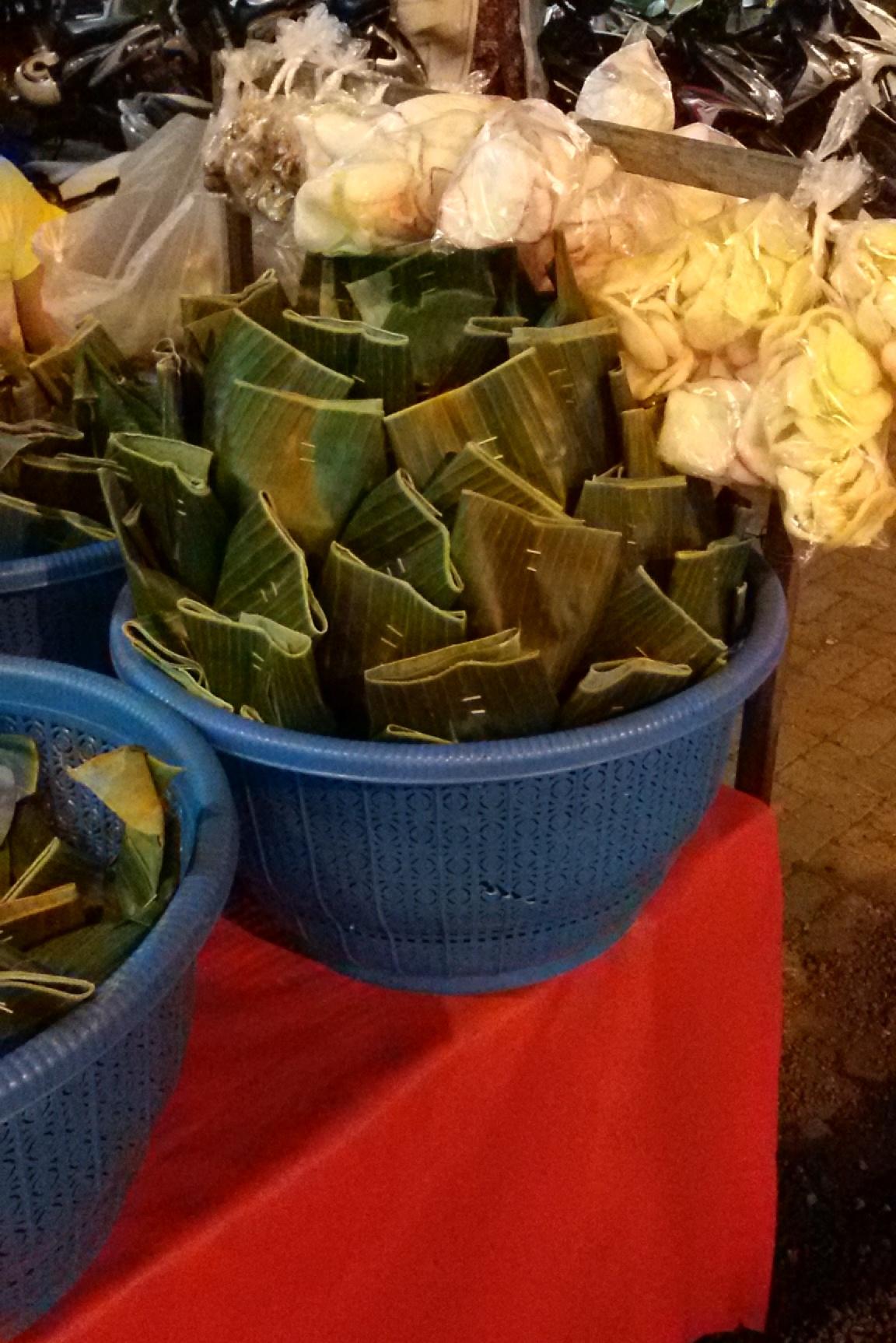 Nasi Jinggo Berasal Dari : jinggo, berasal, Jinggo, Wikipedia, Bahasa, Indonesia,, Ensiklopedia, Bebas