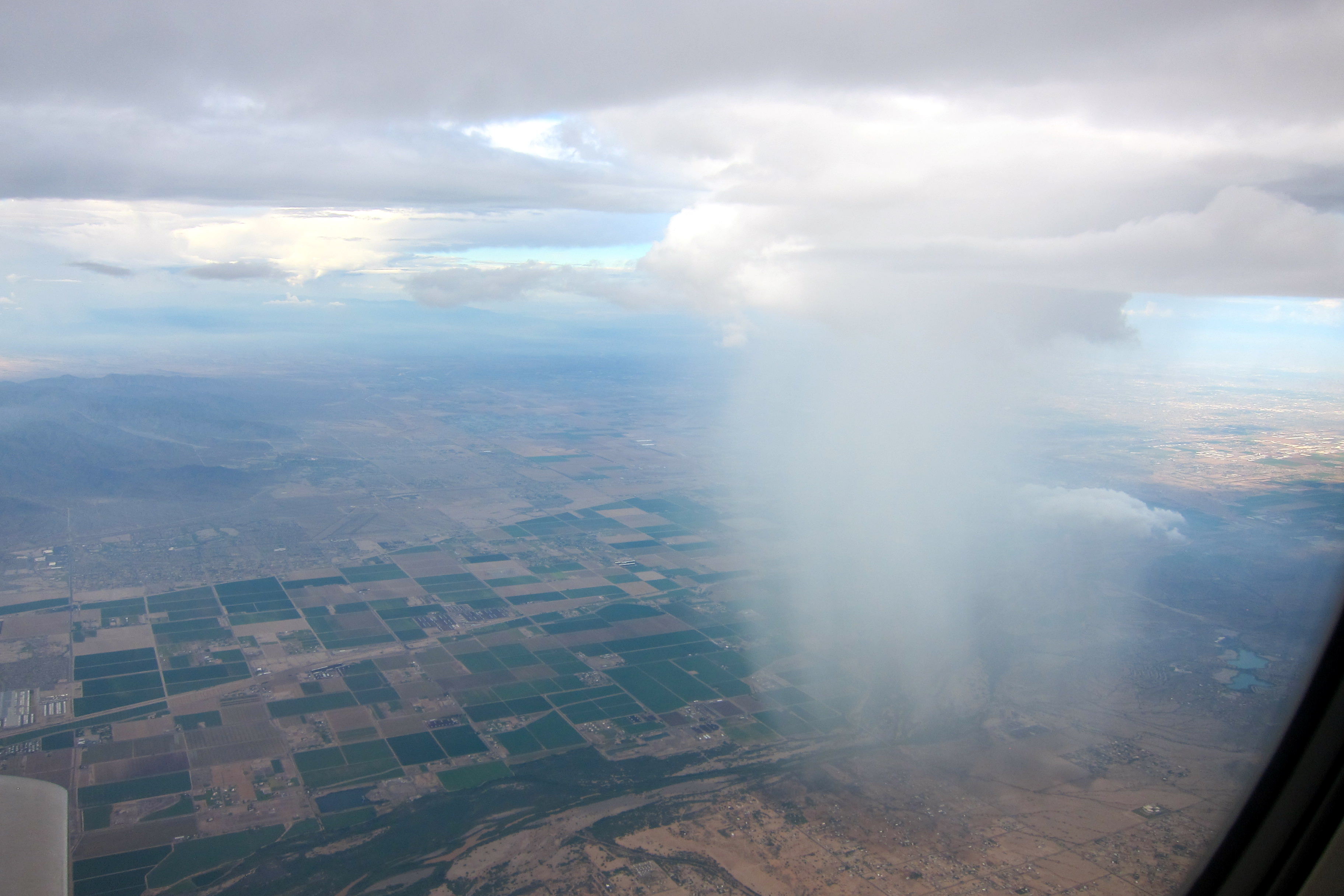 File Rain Cloud Over Phoenix